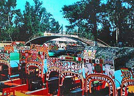 Mexico insolite la pasteleria ideal pattisserie kitch for Xochimilco jardin flottant