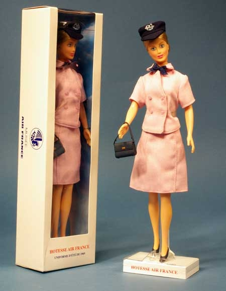 http://www.flying-mama.com/wp-content/uploads/2012/11/hotesse-Air-France-Balenciaga.jpg