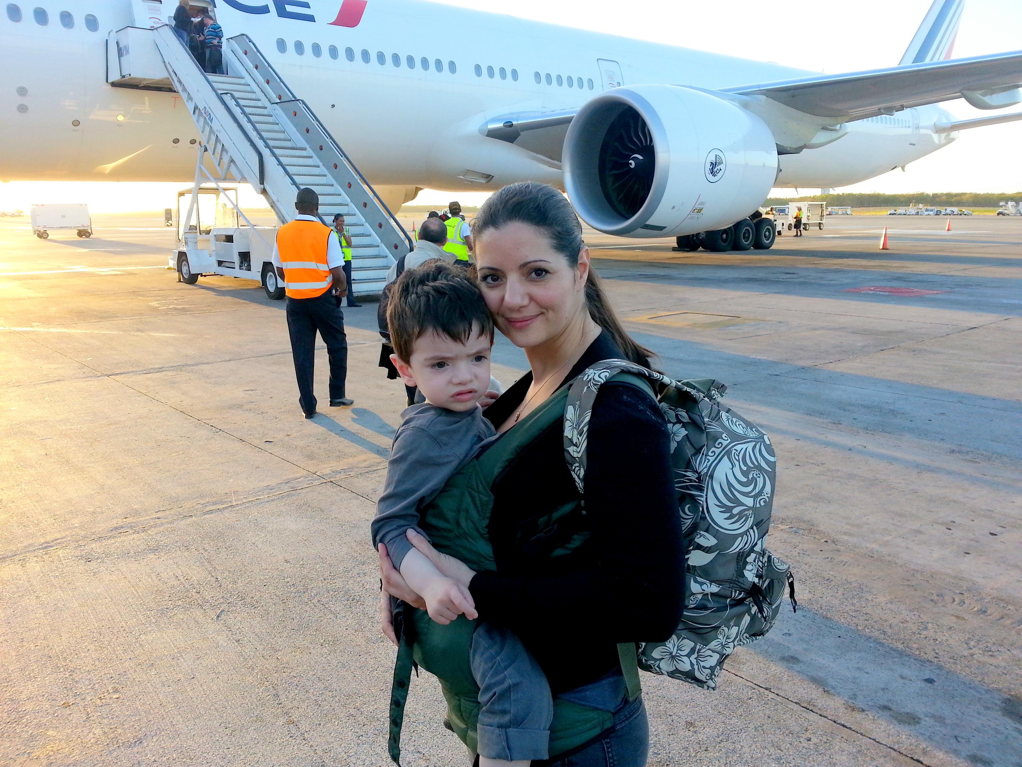 Pour porter en voyage en famille flying mamaflying mama - Rever de porter un bebe dans ses bras ...